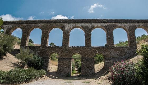 Hoteles Helios acueducto romano