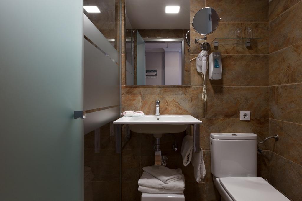 habitacion-vista-piscina-3-camas-5